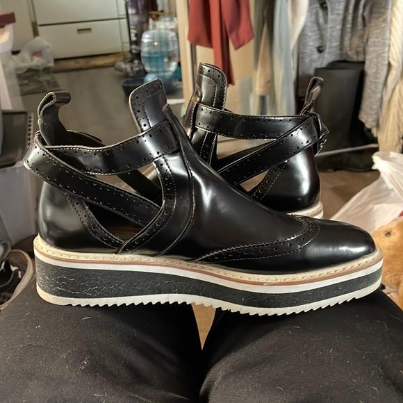 6.5 Zara platform Oxford ankle black white shoes